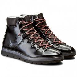 LYKKE Shiny leather Black